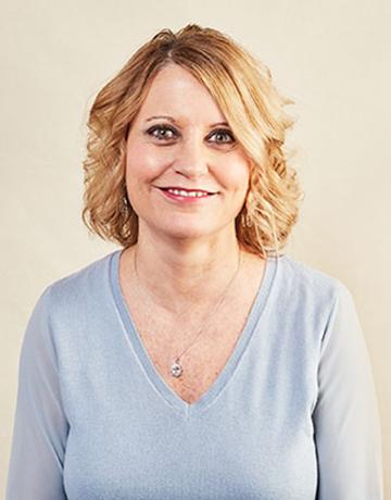 Tina Machacek, Customer Service Specialist